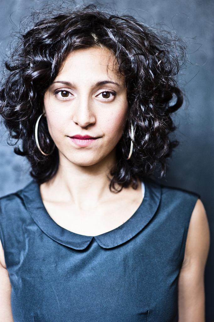 Mira Mazumdar, Schauspielerin, Synchronschauspielerin