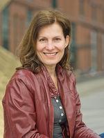 Anita Gramser, actor, speaker, Hamburg