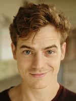 Ian Thomas McMillan, actor, Hamburg