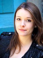 Viktoria Szelestenyi, actor, singer, Bern