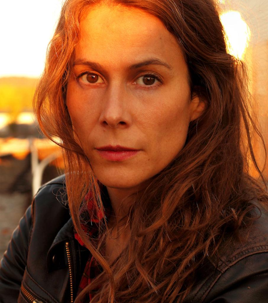 Aline Hochscheid crew united   the network of the german-speaking television
