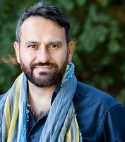 Pedram Moghaddam, performer, Hamburg