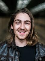 Dustin Leitol, actor, Hamburg