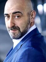 Özgür Karadeniz, actor, Hamburg