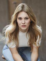 Alina Burghart, actor, Köln