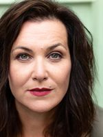 Claudia Kühn, actor, speaker, singer, Berlin